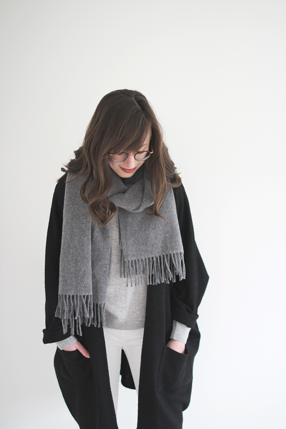 Style Bee - Grey on Grey + White