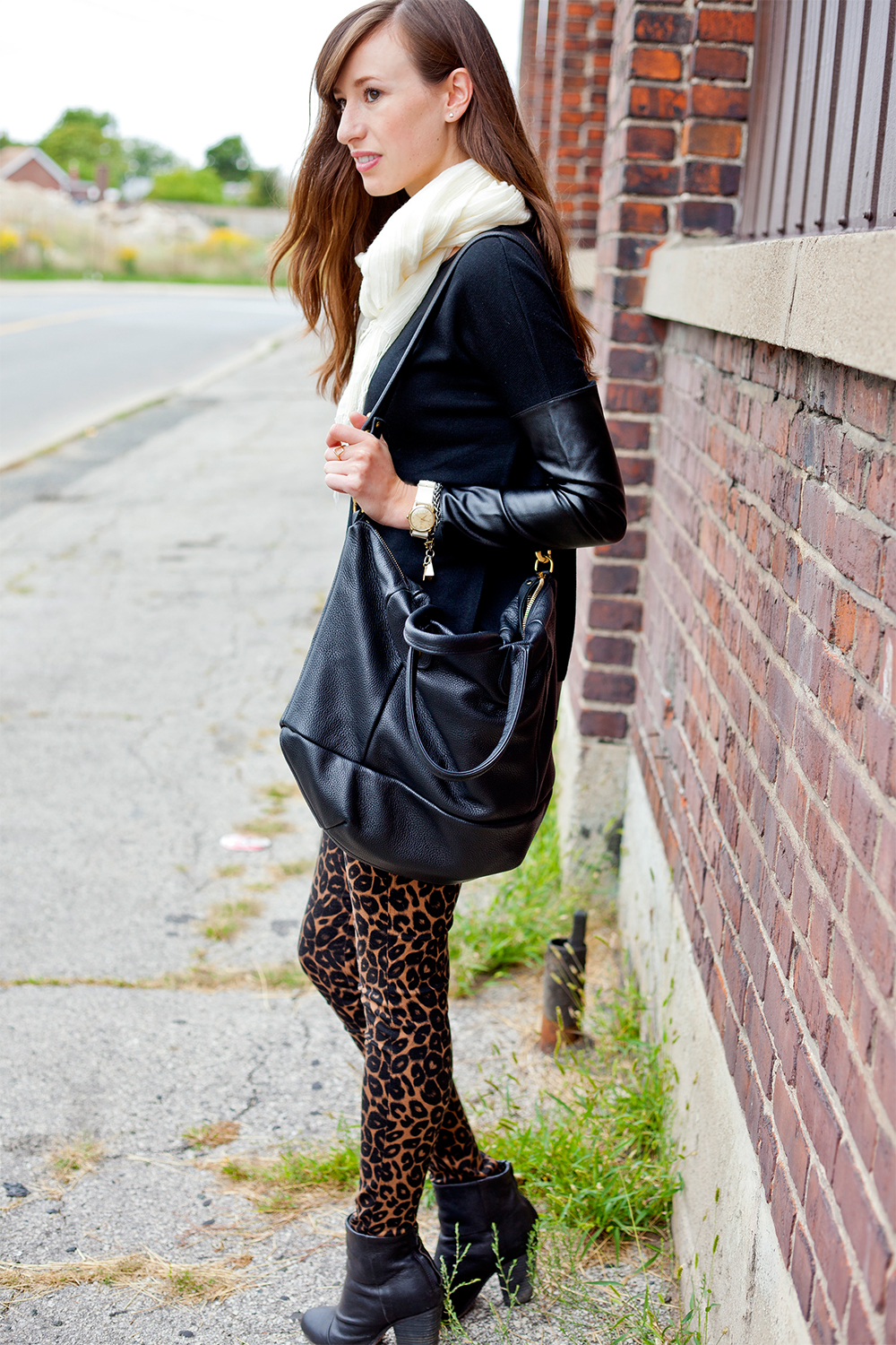 Style Bee in black and leopard print.